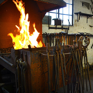 learn-to-blacksmith-colchester-thumb